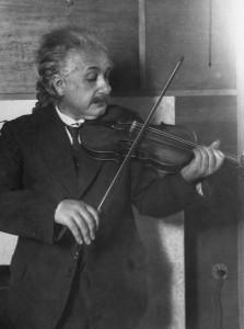 Albert_Einstein_violin